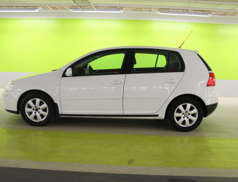 Volkswagen-Golf- 1,6-MULTIFUEL-2009